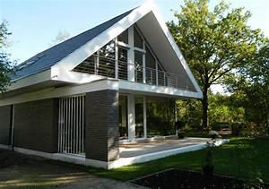 Modernes Haus Mit Satteldach : 158 modernes haus mit holzfenster moderne fensterfronten huber und sohn bachmehring fenster ~ Orissabook.com Haus und Dekorationen