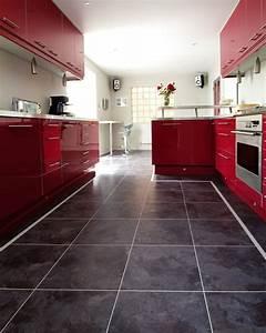 Fliesen Küche Boden : design bodenbelag 55 moderne ideen wie sie ihren boden verlegen fresh ideen f r das ~ Markanthonyermac.com Haus und Dekorationen