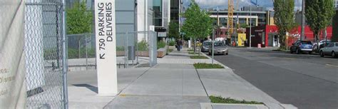 designing  sidewalks  pedestrian walkways