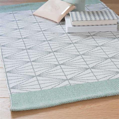 tapis maison du monde tapis scandinave gris laguerredesmots