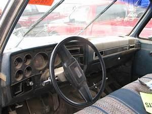 1986 Chevy Suburban 20 Manual Transmission 4x4  19964296