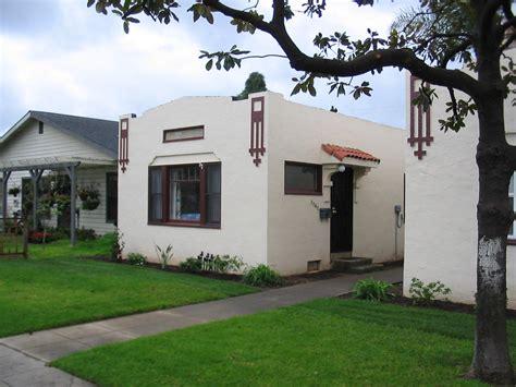Filesan Diego, California Cottage House 022005jpg