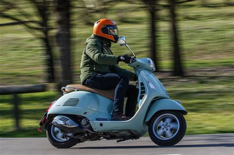 Vespa S 2019 by 2019 Vespa Elettrica And 2020 Gts 300 Hpe Review