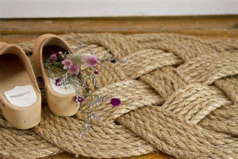 rope doormat diy diy woven rope doormat gardenista