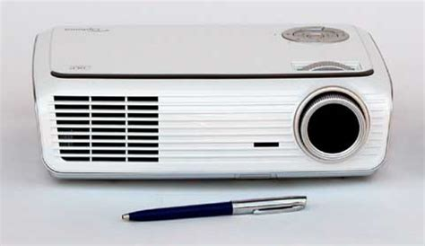 high lumen portable projector optoma hd65 projector review