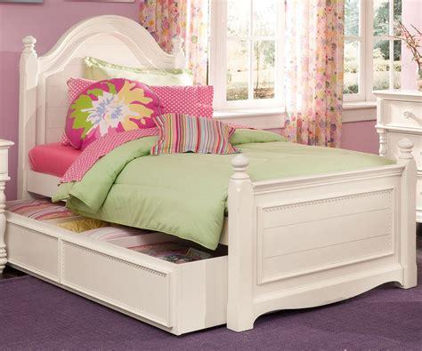 Twin Beds For Girls Light Purple Walls Bedroom