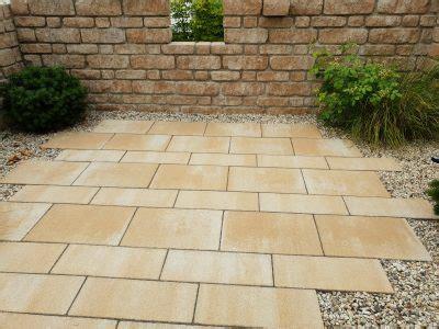 naturstein verfugen mit trasszement terrassenplatten impr 228 gnieren dauerhafter schutz f 252 r
