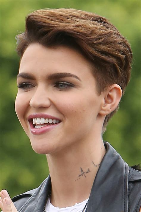 ruby rose straight medium brown choppy layers hairstyle