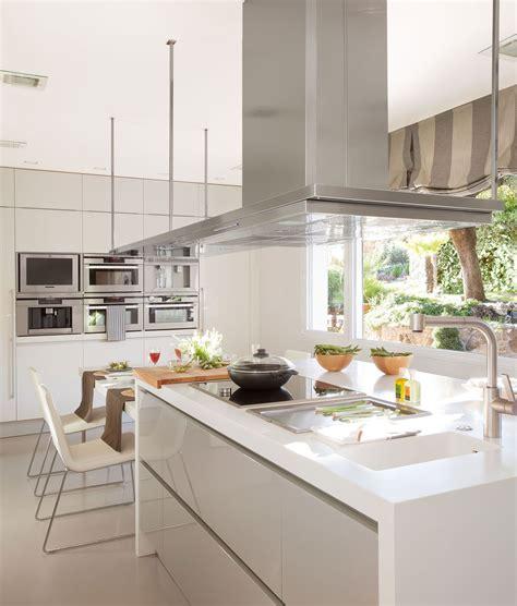 en blanco  gris cocina pinterest islas de cocina