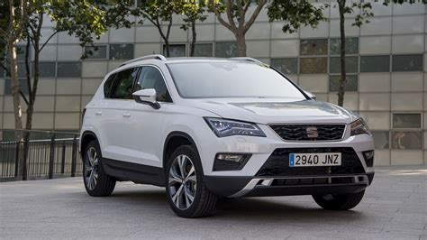 seat ateca xcellence seat ateca 1 4 tsi xcellence 2016 review by car magazine