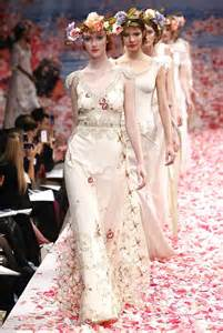 unique wedding dresses unique wedding gown trends 2013 be modish