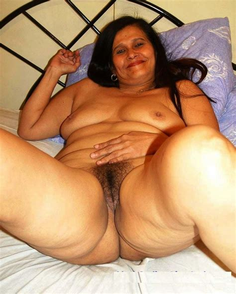 Mature aunty for sex, Photo album by Sulbha-aunty - XVIDEOS.COM