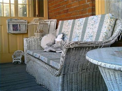 can you spray paint wicker furniture