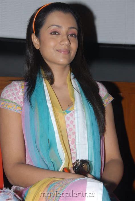 picture  trisha latest cute stills  churidar