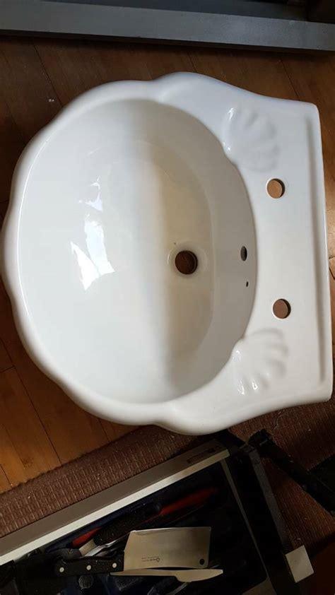 bathroom basin sink scallop clam shell design