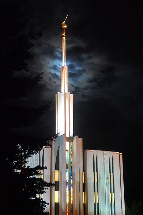 seattle washington temple   evening
