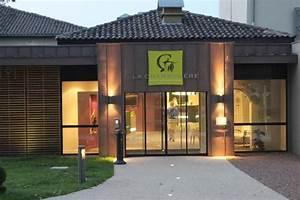 Hotel La Charpiniere (Saint Galmier) : voir 98 avis et 43 photos