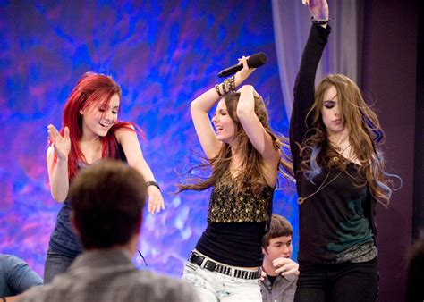 Picture Of Ariana Grande In Victorious Season 1