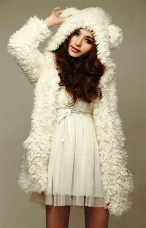 Vintage 2013 Winter Women White Hoodie Cute Bear Ear