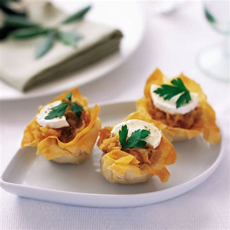 filo pastry cases canapes filo with caramelized onions and goats 39 cheese