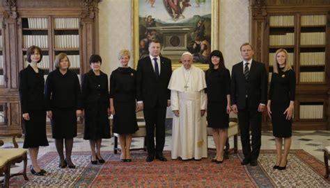 Valsts prezidents ar pāvestu Francisku pārrunā vērtību nozīmi mūsdienu sabiedrībā   Latvijas ...