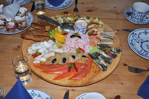 cuisine aid rodebay excursion in greenland to visit a local