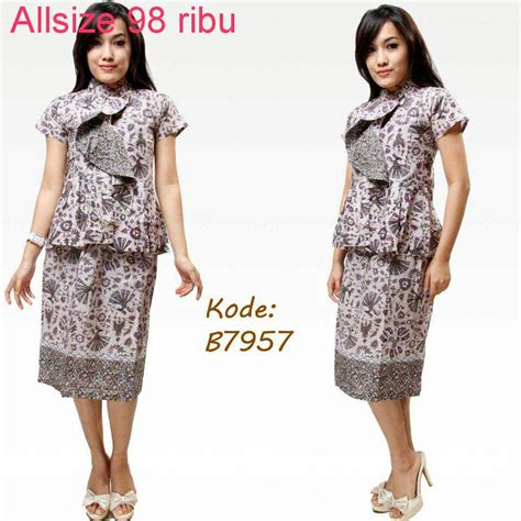 contoh model baju batik  kerja model baju batik