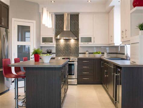 cuisine armoire brune comptoir de cuisine blanc dessus de comptoir de cuisine