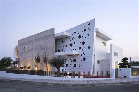 A Set Of Extraordinary Exteriors by A Set Of Extraordinary Exteriors Amazing Architecture