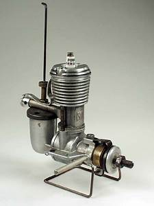 Vintage Model Airplane Engines Running  Stab Ignition Engine