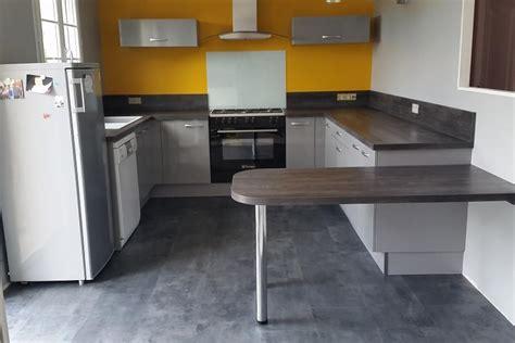 cuisine socoo réalisations cuisine avec retour hauteur table de cuisines