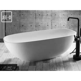 Freistehende Badewanne Die Moderne Badeinrichtungfreistehende Badewanne In Gruen by Quartz Freistehende Badewanne Mineralguss Badewanne