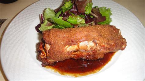 cuisiner les pieds de porc pieds de porcs pannés au four façon docteur sangsue