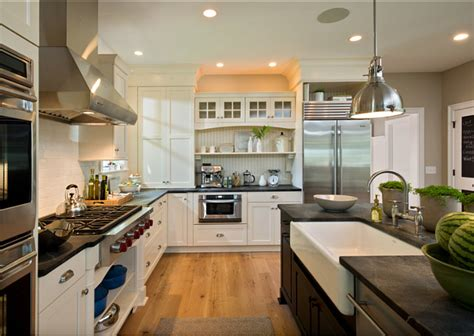 small family home  inspiring interiors home bunch interior design ideas