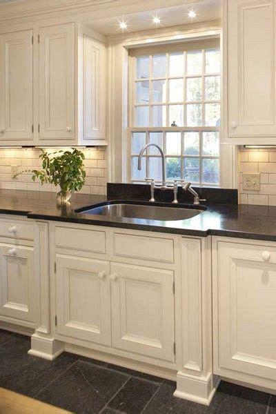 Best 25+ Kitchen Sink Lighting Ideas On Pinterest  Beach