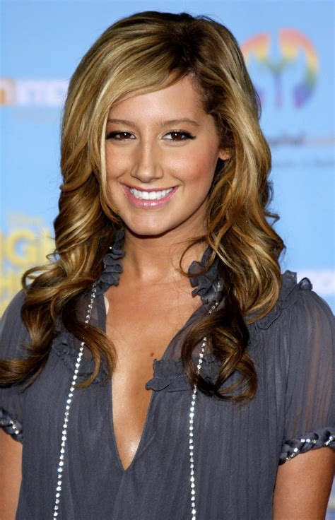 haircuts wavy hair image tisdale ashleytisdale hairstyles pictures 2817