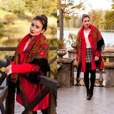 le foulard russe  accessoire intemporel au grand