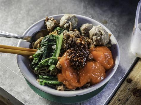 Berikut adalah 20 resep olahan ayam paling enak menurut versi kami. Resep Mie Ayam Jawa yang Gurih Sedap