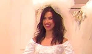 Kaitlyn Bristowe Tries on Wedding Dresses, Promises Not to ...