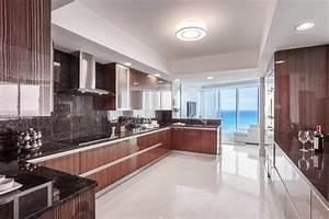 Granitplatten Küche Farben : maritime einrichtung eine luxus pur wohnung in hollywood ~ Michelbontemps.com Haus und Dekorationen