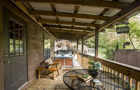 paw print hot springs log cabins