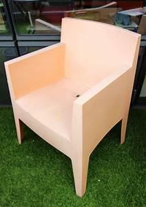 Fauteuil Plastique Jardin : lot de 3 fauteuils fauteuil de jardin en plastique de couleur saumon design dapres philippe starck ~ Teatrodelosmanantiales.com Idées de Décoration