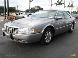 Light Medici Metallic 1997 Cadillac Seville Sts Exterior Photo  56667981