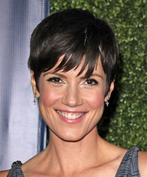 zoe mclellan hairstyle zoe mclellan hairstyle short straight casual click to