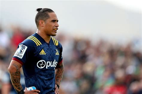Aaron Smith Stars In Highlanders Rugby Win