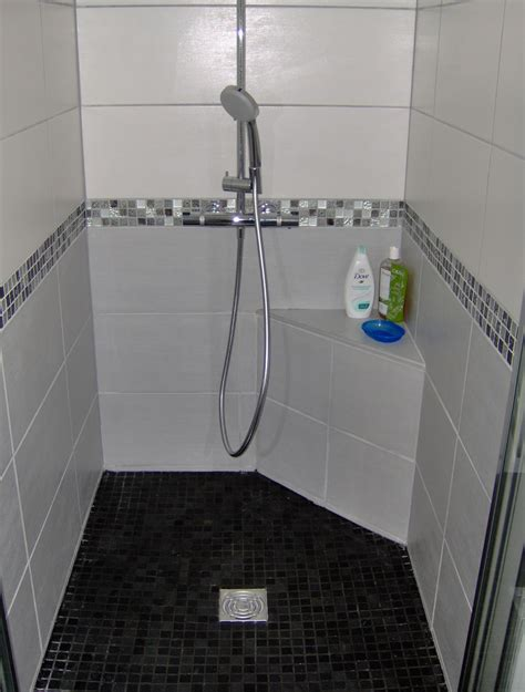 carrelage salle de bain frise