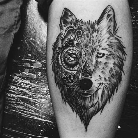 tete de loup origami tatouage