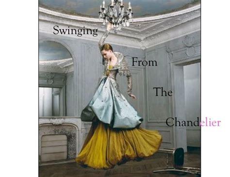 מישהו יכול להסביר לי על מה מדבר השיר sia chandelier או