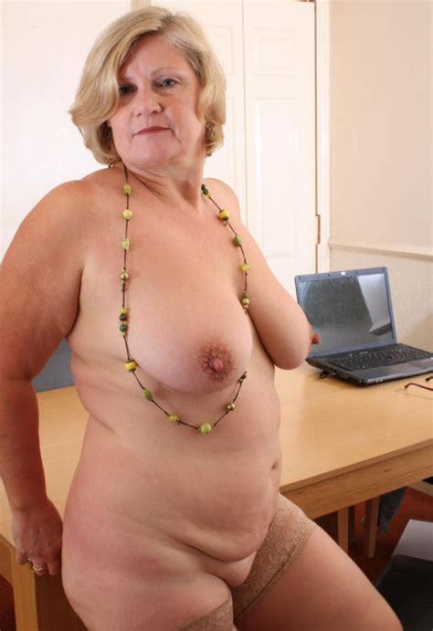 Granny Pics Xxx Gallery Granny Slut Cums In Panties