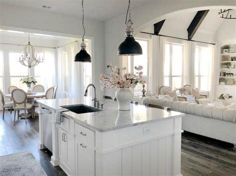 sw repose gray  walls  sw pure white cabinets